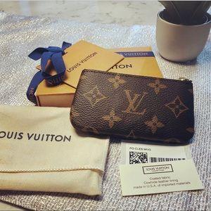 New Louis Vuitton Monogram Cles Key Pouch